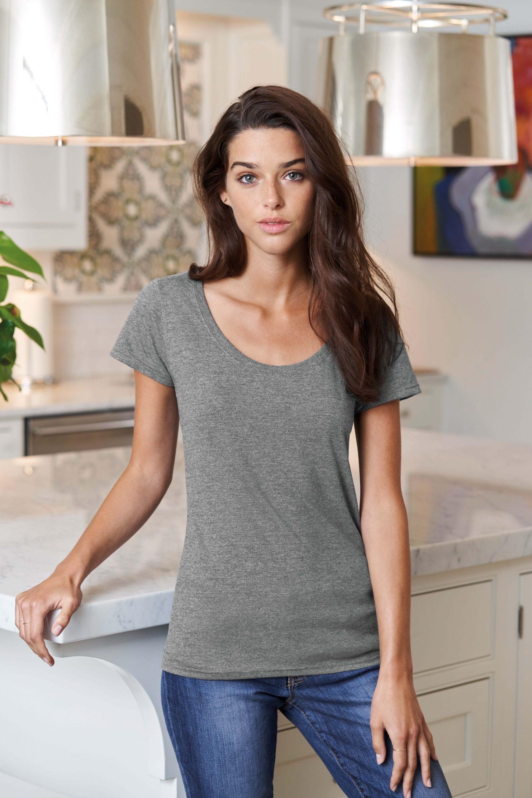 T-shirt Deep Scoop Softstyle Women